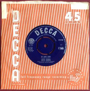 ANITA HARRIS - Willingly / At Last Love  UK 45 1965 M-!