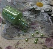 Ca 140st ljusgröna halvärlor 6 mm