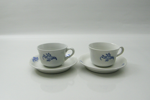Kahvikuppi ja aluslautanen, Kukkakuvio
