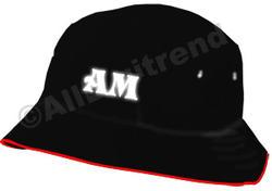 Hatt med initialer