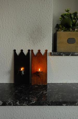 Ljuslampett krona (värmeljus), väggljusstake