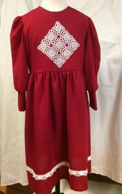 Röd klänning (Brita)