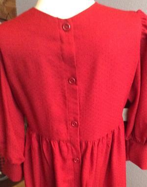 """Röd """"Brita""""-klänning"""