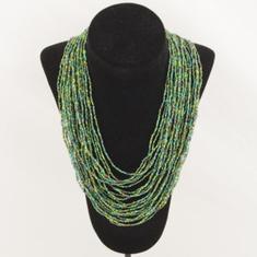 Härligt grönt halsband
