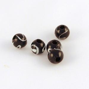 Pärlor av återvunnen plast, svarta