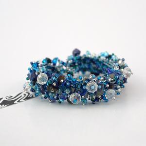 Glimma armband i blått