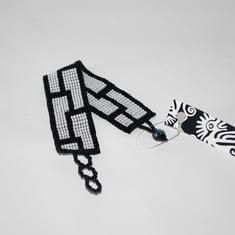 Armband, grafiskt i svartvitt