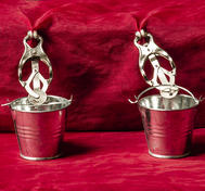 Nipple Clamps with Buckets (Japanese)