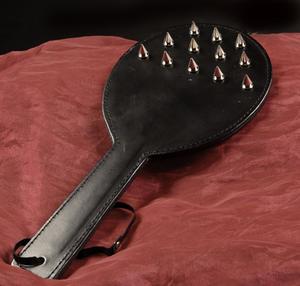 Spik-paddel i Läder