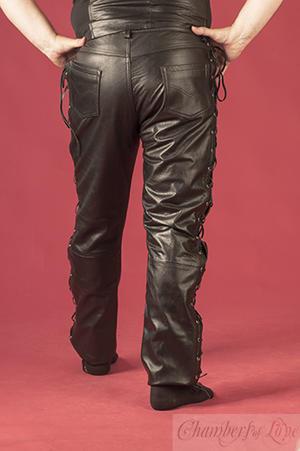 Svarta läderbyxor i MC-stuk