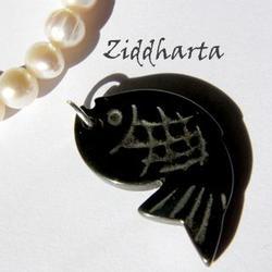 1st Hematit-hänge: Kinesisk Fisk - större ca30x17mm