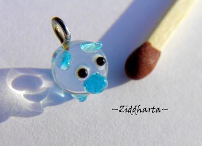 LAMPWORK världens minsta hänge? Blue Pig!