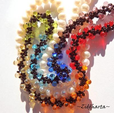 L5:151 - YOGA Svart Kärna - Rainbow LOVE Chakras PRIDE Necklace / Halsband - Made by Ziddis hands