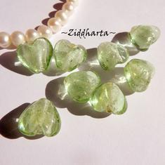 1st Hjärta ca 12mm - SF Lindblomsgrönt SilverFoil LW - Handmade HEART Lampwork Beads