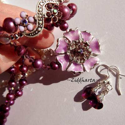 L3:84 SET Purple FLOWER Enamel: Necklace Bracelet Earrings - Rhinstones Purple Pink - Halsband, armband, örhängen lila rosa emaljerat blomhänge - unikt!