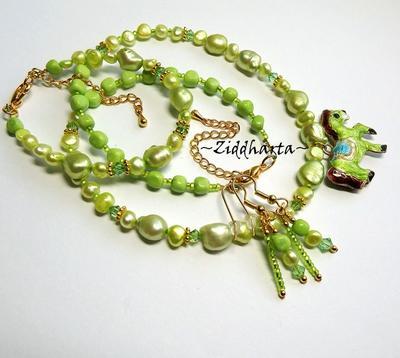 L1:40nn SET - Apple Green Cloisonné Horse Pendant - Necklace Bracelet Earrings - Swarovski Crystals - Handmade Jewelry and Beadings by Ziddharta