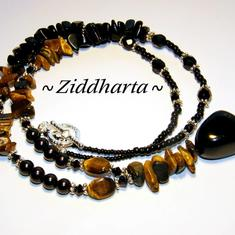 L4:120nn Halsband - TigerEye - Svarta Sötvattenspärlor Onyx TigerEye halvädelstens chips Gemstone Fire Ploshed glass beads / glaspärlor - Necklace by Ziddharta of Sweden