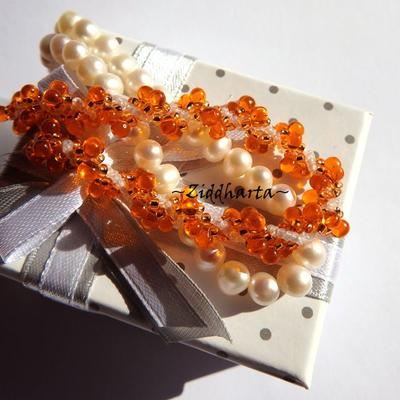 L5:147 - Orange SHELL - is the New Black! Swirl Shell Pendant DNA-spiral Seedbeads Miyuki Fire Orange & White Necklace /Halsband - Handmade by Ziddharta