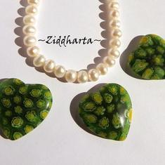 Millefiori glaspärla: Hänge - Grönt Hjärta - Halvborrad #48