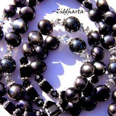 SÅLD! L4:119 BLACK Hematite - Swarovski Crystals Svarta Sötvattenspärlor / Freshwaterpearls: Necklace /Halsband