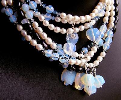 L4:116 Opalite-serien - PEAR - White / Vita sötvattesnpärlor Swarovski Cyrstals fascetterade Rondeller - halsband H6 / Necklace OOAK unikt!