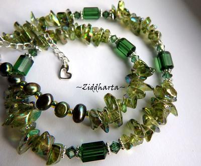 L2:44 OOAK GreenTurmalin Swarovski - handgjort av Ziddharta i Sverige - Unika och personliga smycken