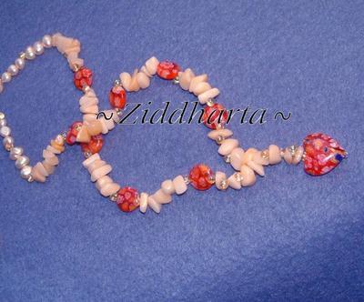 L5:170 - Jade in Love - Solgula Sötvattenspärlor Miyuki Glaspärlor Teardrops Fringe Millefiori Red Heart / Rött Hjärta Millefiori coins /runda pärlor Jade Chips: Necklace / Halsband
