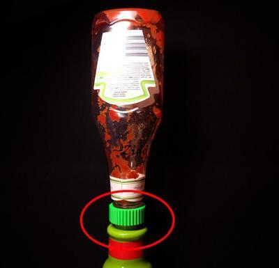Gänga ihop flaskor! Få ut det sista ur ketchupflaskan tex.