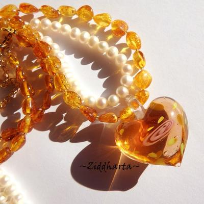 Honey Amber Necklace One of A Kind Necklace Heart LampWork Amber Necklace Amber /Rav /Bärnsten Necklace - Handmade Jewelry by Ziddharta