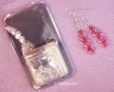 Smyckeskit: Spiral-örhängen- Material + mönster: RubyRed
