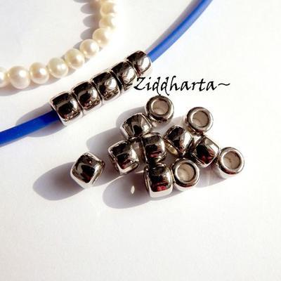 20st Silver PONY pärla 9x6mm - Drum Beads: XLPlastPärlor stora hål
