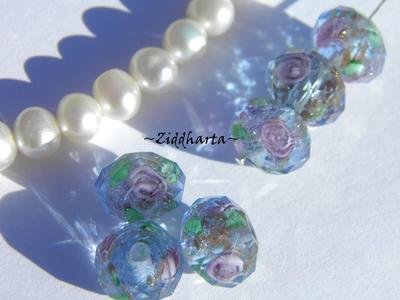 Exklusiv Handgjord LampWork glaspärla: Facetterad Rondell Rosor & guldsand - Indian Sapphire Blue #18