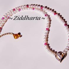 SÅLD! L2:75 OOAK Diamond - My Sweet Heart - Hjärta i 18 karat guld 8 diamanter Röda Swarovski Crystals Vita sötvattenspärlor