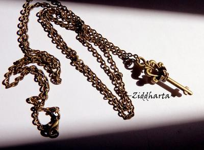 L4:138nn SteamPunk - x3 Halsband -  Bronze Chain Necklaces x3: Heart GS, Key & Bow Fringes
