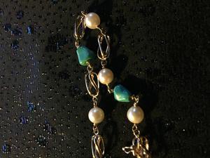 Armband i 18 K guld.Design Arvo Saarela Enköping.Odlade pärlor och äkta turkoser. -60tal.