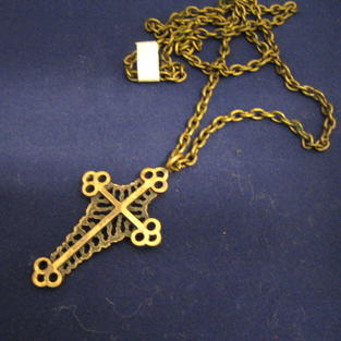 Halskedja med kors i brons Finland.Karl Laine.-70tal