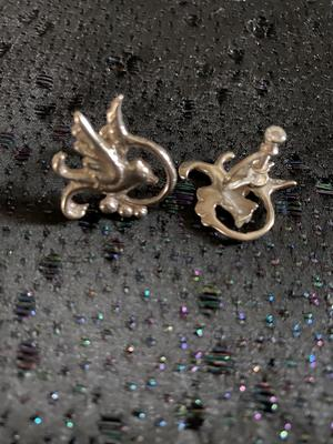 Örhängen i äkta silver med skruv. Fåglar  från -50talet.