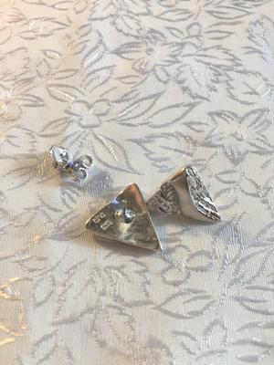 Örhängen i äkta silver . Svenska stämplar