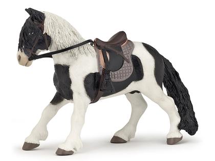 Ponny med sadel