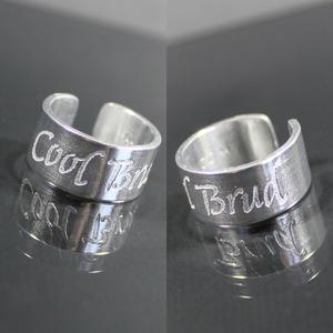 """Ring med citat """"Cool Brud"""""""