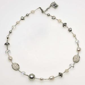 Pearls for Girls. Halsband med pärlor och silverdetaljer, längd 45 cm