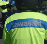 MC-väst, text KAWASAKI