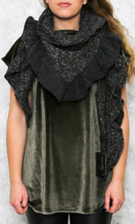 Grete dark grey