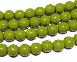 Runda opaka limegröna pärlor, 6 mm. En sträng.