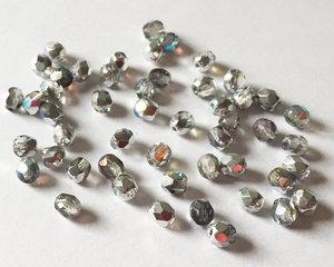 Fasetterade firepolish, Crystal Silver Rainbow, 4 mm. 50 st
