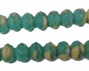 Fasetterad opak grönturkos donut pärla, 6*9 mm. En sträng.