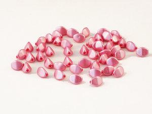 Rosa pressade pinched pärlor, 5 mm. Chalk Pastel Pink. 50-pack