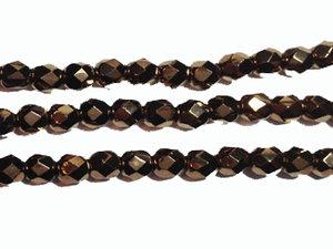 Fasetterad tjeckisk fire polish pärla i mörk bronsmetallic, 4 mm. En sträng.
