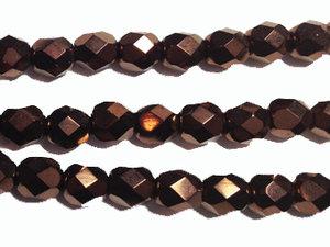 Fasetterad tjeckisk fire polish pärla i mörk rödbronsmetallic, 6 mm. En sträng.