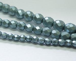 Fasetterade firepolish, Alabaster Metallic Grey, 25520, 8 mm. En längre sträng, 16 cm.